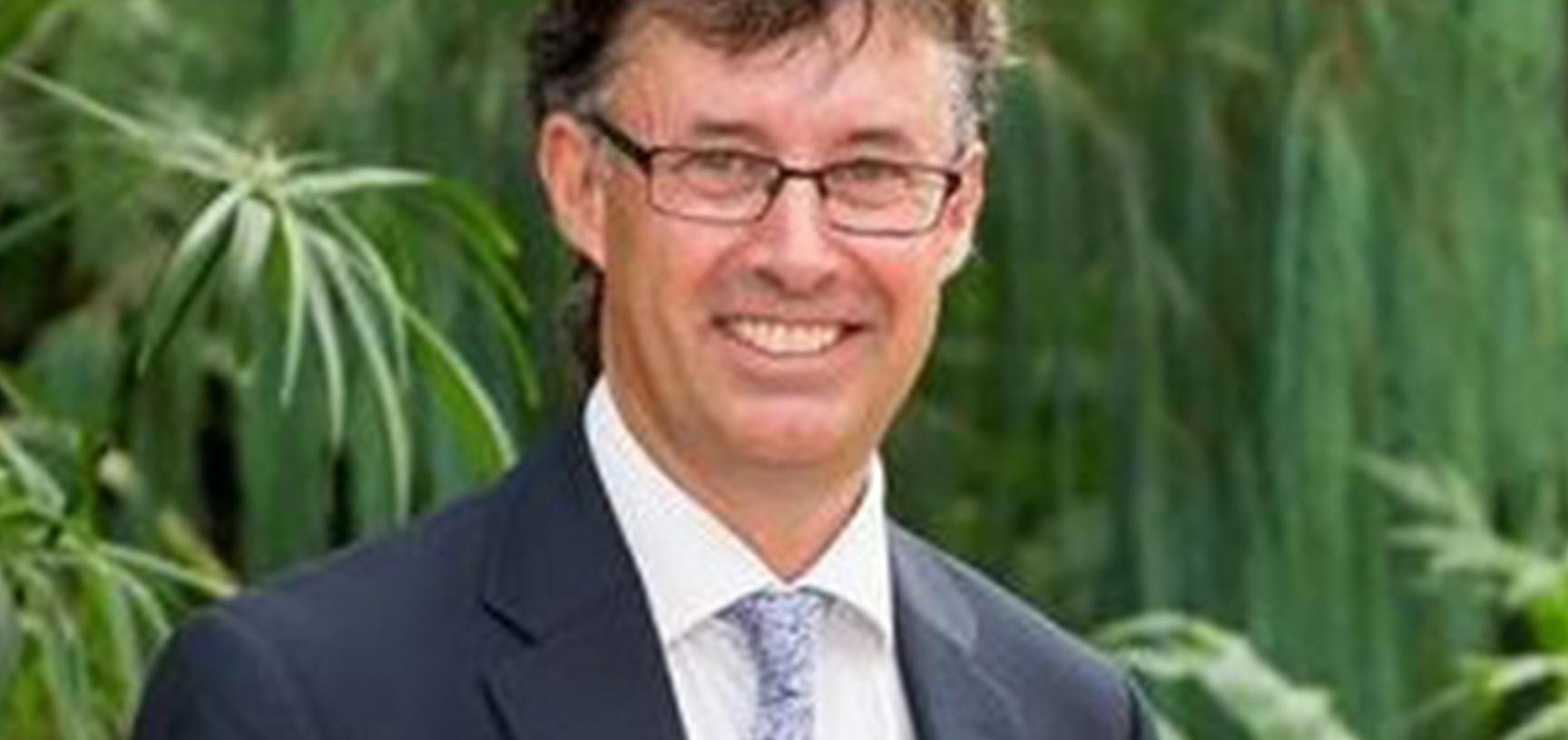 Dr Tim Upson