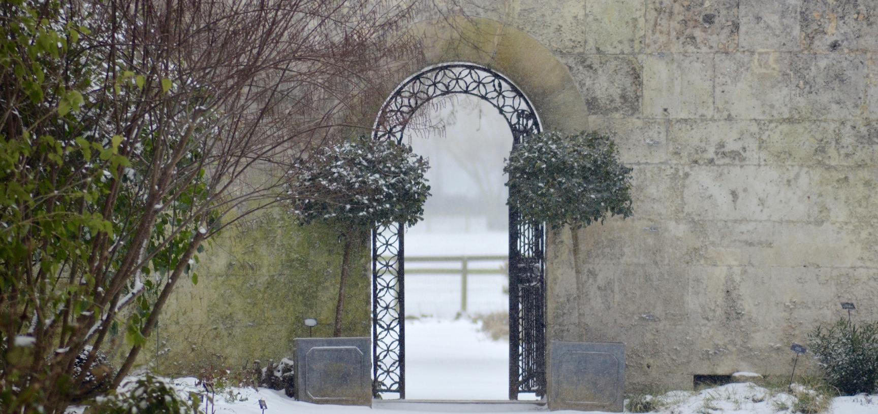 Winter Snow Gate Botanic Garden