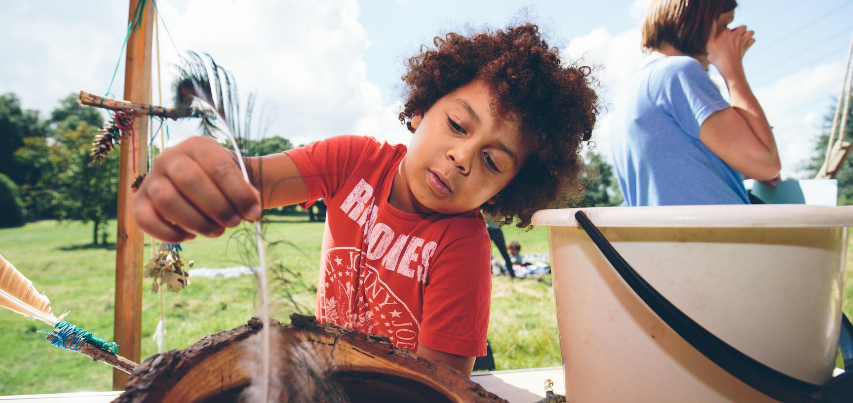 Arboretum Family Child Crafting (Wallman Lo Res)