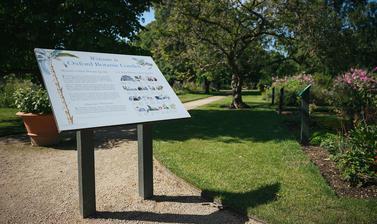 botanicgardensopeningbyianwallman 1453