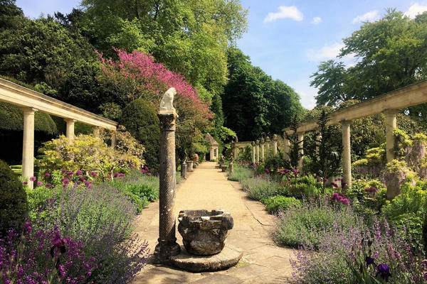 the great terrace iford manor gardens